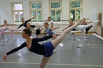 00_soustredeni_balet