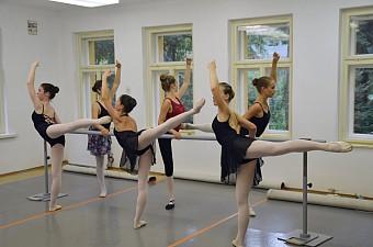 18_soustredeni_balet