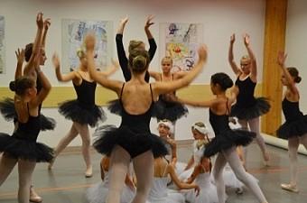 11_soustredeni_balet