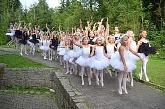 14_soustredeni_balet