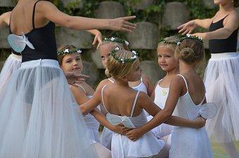 20_soustredeni_balet