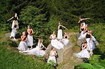 21_soustredeni_balet