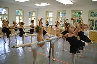 26_soustredeni_balet