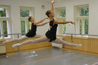 27_soustredeni_balet