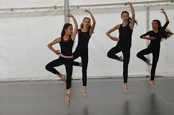 34_soustredeni_balet