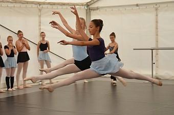 35_soustredeni_balet