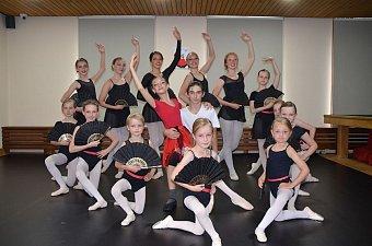 40_soustredeni_balet