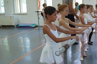 05_soustredeni_balet